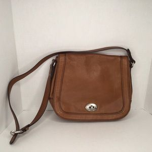 Fossil saddle leather handbag.